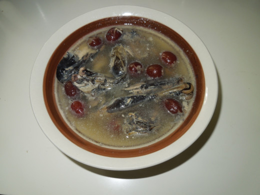 Chinese Tonic Soup: Black Chicken and Red Dates soup