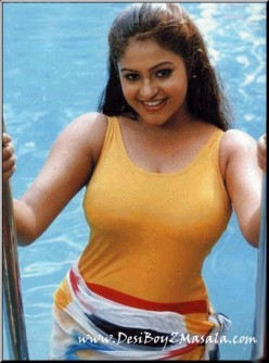 Photo Gallery of Tamil Actress Raasi Manthra