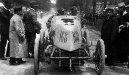 Fernand Gabriel driving a en:Mors in Paris-Madrid 1903