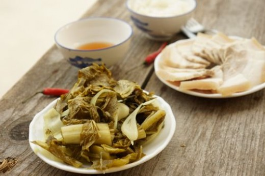 green mustard pickle, go well with fatty dishes as boiled pork or caramelised pork
