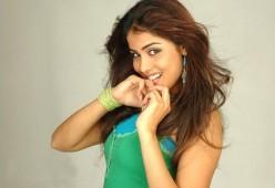 Bollywood Actress Photos: Glamorous Genelia