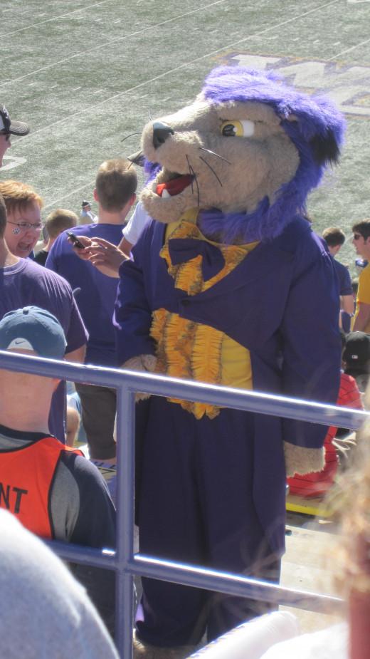 Paws: WCU's Mascot