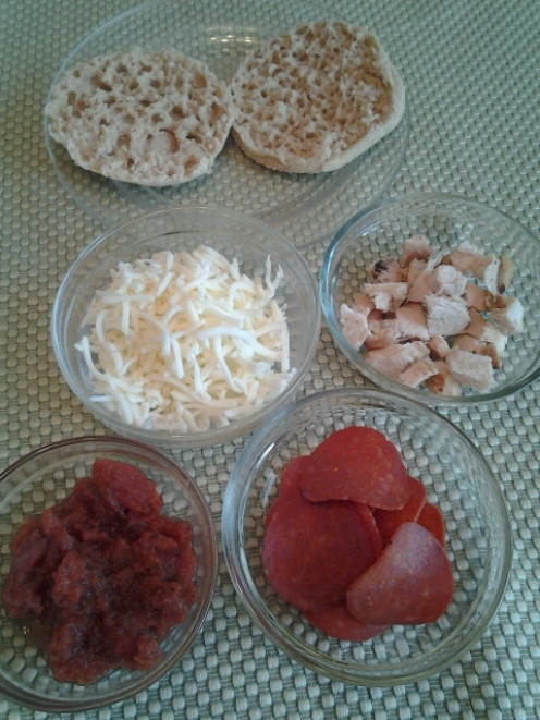 Mini Pizza Ingredients: