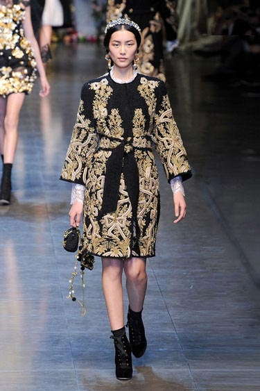 All shapes and sizes can wear this Baroque-embellished  black cloat