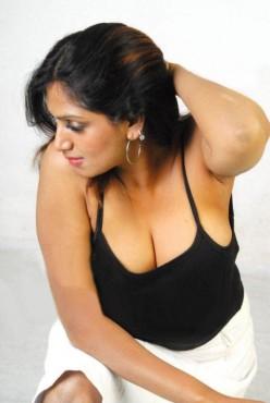 Sexy Tamil Masala Actress Bhuvaneswari