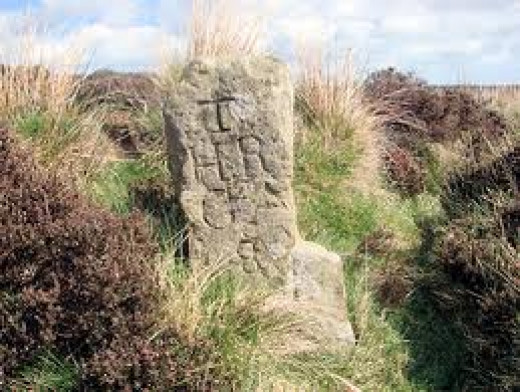Waymarker for Ayton and Hutton Rudby to the west