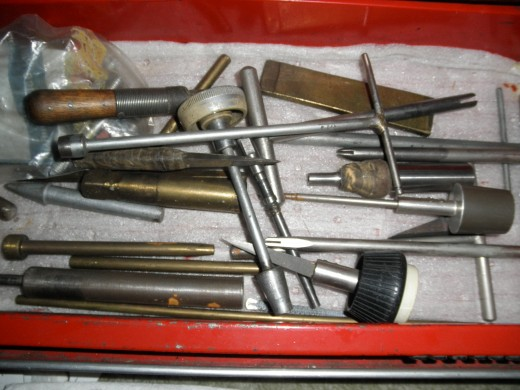 Here are a whole bunch of really cool vintage hand tools