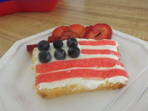 Sliced pound cake, a cream cheese frosting, blueberries and strips of fruit roll up makes a Star Spangled Shortcake. Serve sliced strawberries on the side.