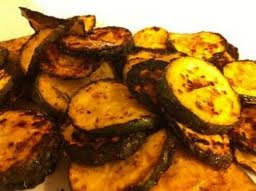 Tasty bbq zucchini chips