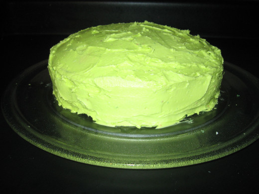 The finished product with the vanilla buttercream frosting on top only changed to the lime green color.