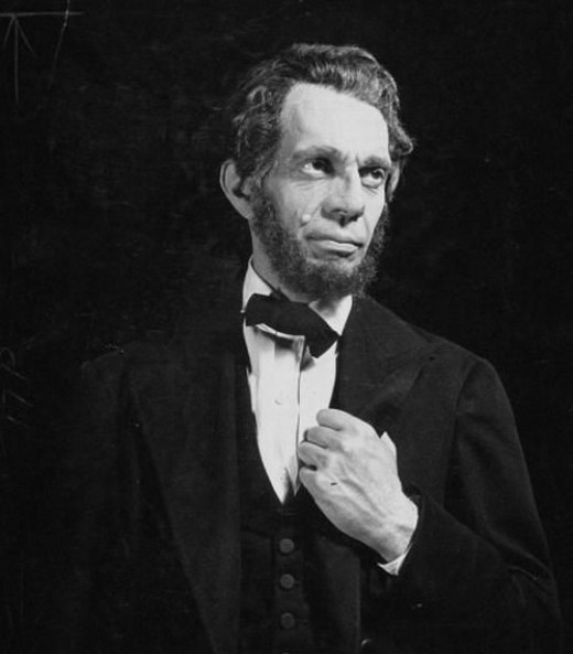 Raymond Massey in Abe Lincoln in Illinois (1940)