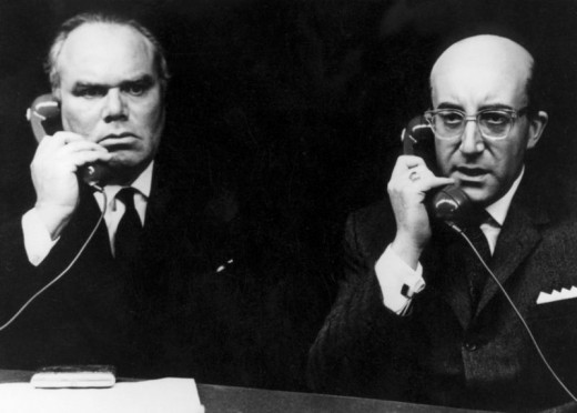 Peter Bull and Peter Sellers in Dr. Strangelove (1964)