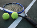 Do tennis strings deteriorate if left unused on a racket for a long period of time?