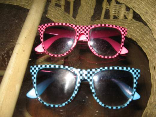 I love these retro sunglasses!