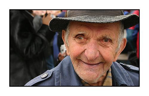 Happy people live longer