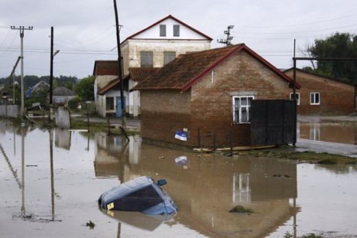 Quickly rising water and no rain have Russians citizens angry and suspicious.