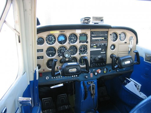 Cessna 172: Cockpit Instruments