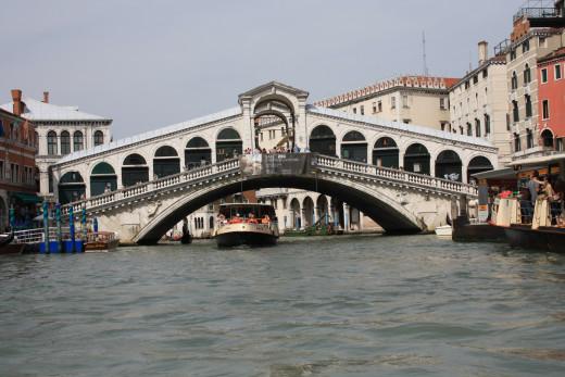 A view of the Rialto Bridge from the Gondola