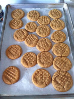Easy Peanut Butter Cookies (GF)