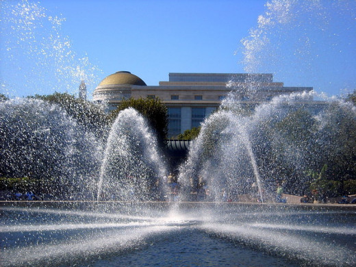 This photograph of the National Gallery of Art Sculpture Garden and Fountain, Washington, D.C. was taken by AgnosticPreachersKid.