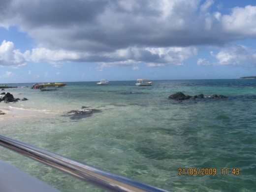 Three Different Color of Indian Ocean, Ile Aux Cerfs
