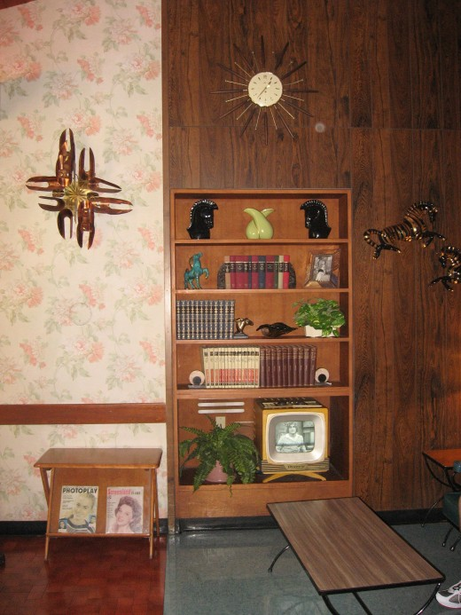 50's Prime Time Care, Living Room area