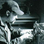 DZprowriter profile image