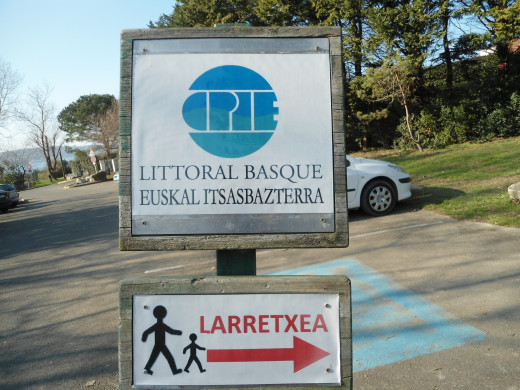 Notice how the sign is both in French and Basque