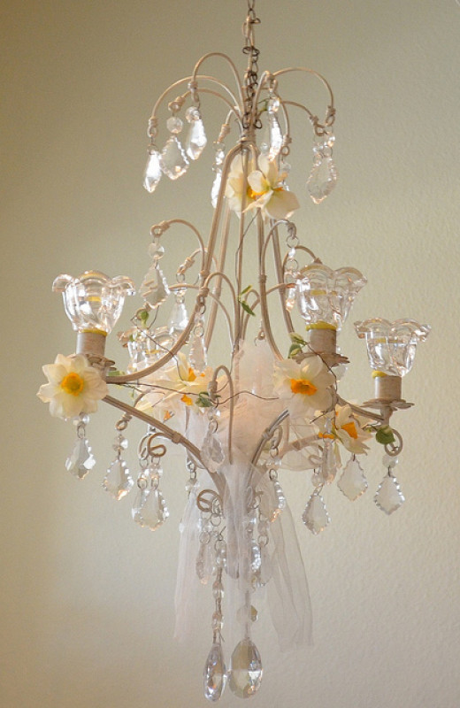 shabby chic chandeliers decorating and lighting. Black Bedroom Furniture Sets. Home Design Ideas