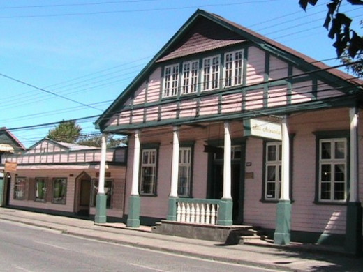 Settler's house in Mackenna Street, Osorno