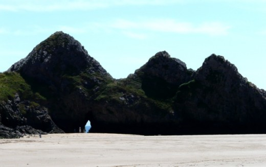 Some of the impressive rock formations at Three Cliffs Bay
