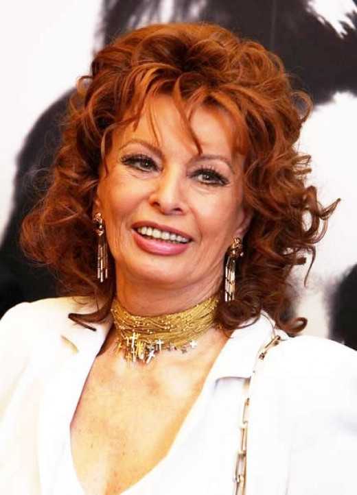 Famous pineapple lovers:  Sophia Loren in her 70's - she eats a pineapple every day.