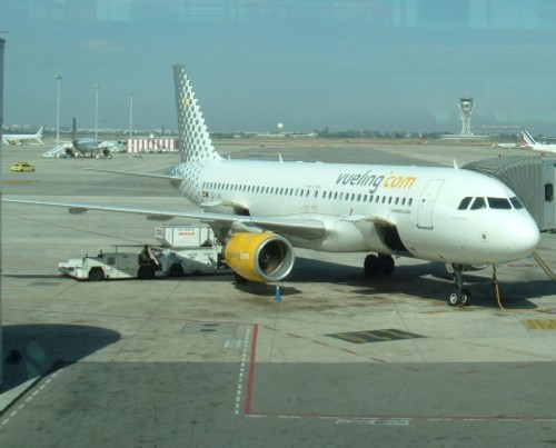 Vueling plane in Barcelona Airport. Photo by Steve Andrews