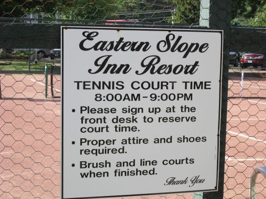 Awesome Red Clay Tennis Courts right on the property at the Eastern Slope Inn Resort. Be sure to Sign up at the front desk to reserve your court time!