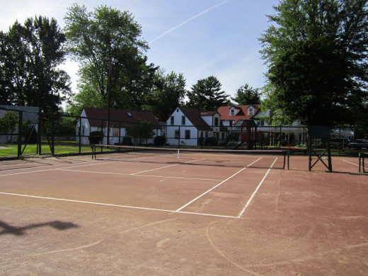 There are 2 Full Clay Tennis Courts at the Eastern Slope Inn Resort.