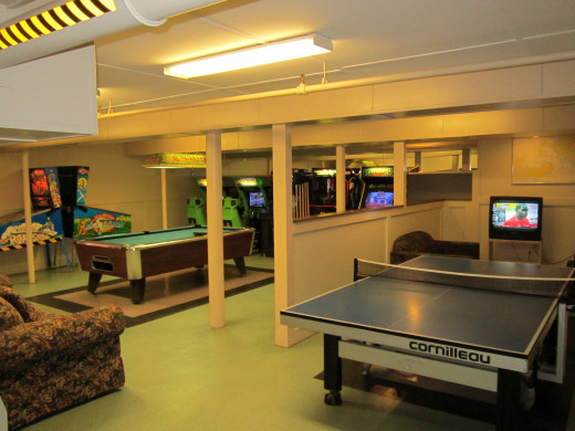 Play Pool (Billiards), Pin-Pong or a variety of electronic games in the Game Room at the Eastern Slope Inn Resort.