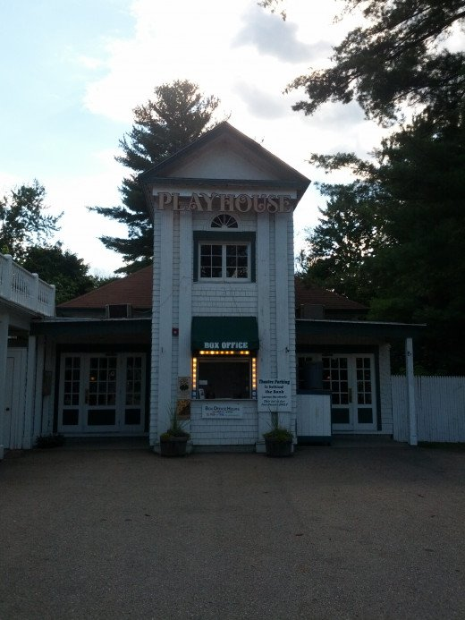 The Playhouse at the Eastern Slope Inn. Featuring Plays and Musicals on the Property att the Eastern Slope Inn Resort.