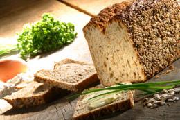 Slight variations produce an easy herb bread recipe or easy cinnamon raisin bread recipe.