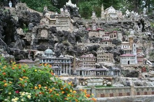 Mini Jerusalem or Ava Marie Grotto is several acres of religious scenes that are miniature in size.