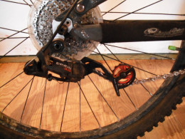Derailleur with a too short chain