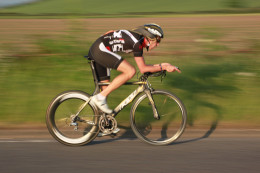 Develop your cycling threshold power to improve your time trial and triathlon performance.