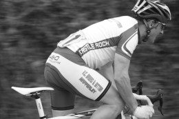 Improve your cycling power for short sprints and climbs in road cycling events