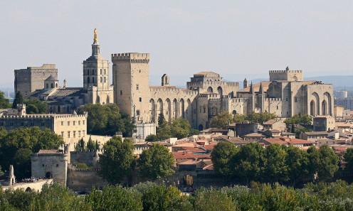 Avignon Close Up