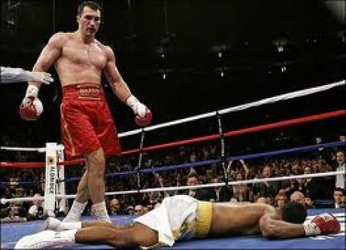 Vladimir Klitschko knocks out Calvin Brock while defending the heavyweight crown.