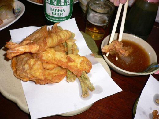 Tempura can be eaten with or without dipping sauce