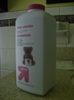 Baby Powder: An Inexpensive Alternative to Dry Shampoo