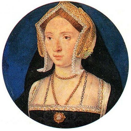 This is a portrait that may be Anne dating from her time as a lady-in-waiting to Katherine of Aragon; hence her wearing the Gable hood instead of the French hood.