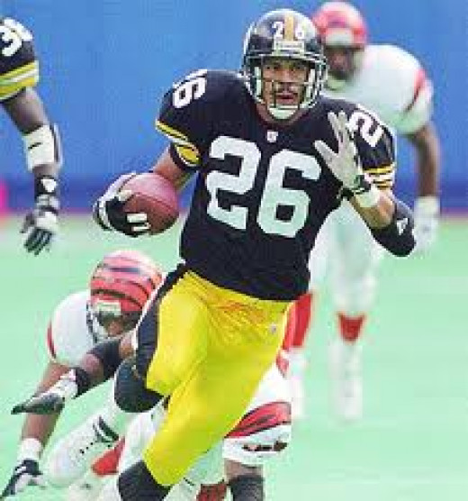Rod Woodson is a legendary cornerback who helped the Pittsburgh Steelers in many ways. He was an extraordinary tackle and was known for his many interceptions.