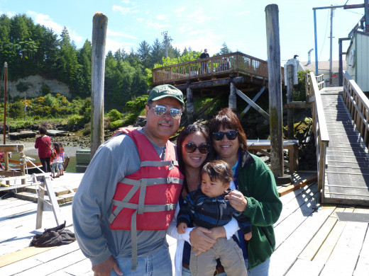 Hawaiian Odysseus with Pua (niece), Kalau (grand-nephew),  Kathleen (sister), About to Embark on Crabbing Boat in Newport, Oregon