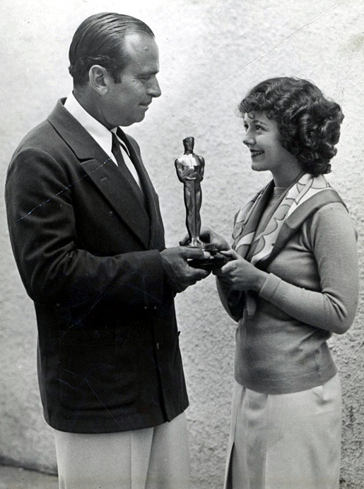 1929: Janet Gaynor accepts her Oscar from Douglas Fairbanks